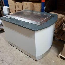 Buffetbord med køleplade og køleskabsplads på hjul, Brugt