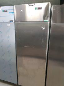 Industrikøleskab, Tecnodom AF07EKOMTN, brugt til udlejning med bule i top